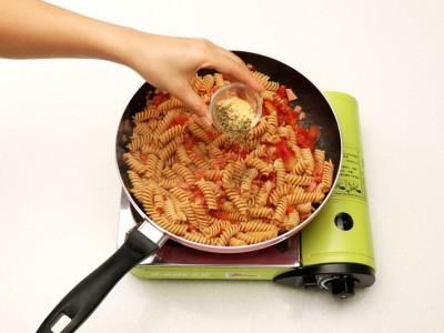 食譜-義式培根番茄螺旋麵