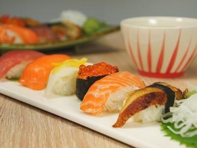 食譜-用製冰盒做出簡易握壽司 I 鍋寶好食光
