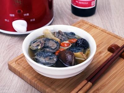食譜-藥膳養生烏雞湯