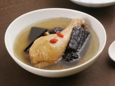 食譜-杜仲燉雞湯