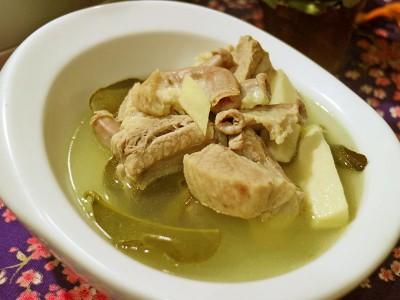食譜-清爽潤喉的客家好味道,桔葉粉腸湯