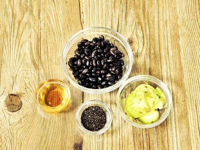食譜-芝麻酪梨黑豆糊
