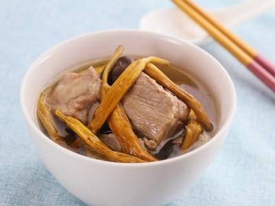 食譜-金針香菇排骨湯