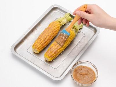 食譜-巴達雅烤鳳梨雞肉串+石頭烤玉米