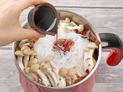 食譜-白菜豆腐粉絲煲+清蒸鮮蝦 (一鍋兩菜)