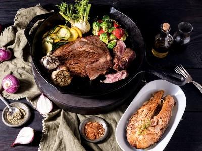 食譜-烤牛排搭配奶油鮭魚