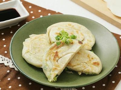 食譜-水餃皮變身蔥油餅