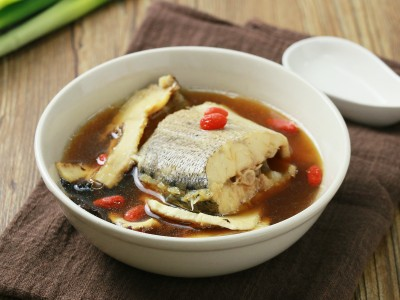 食譜-明目養肝鱸魚湯