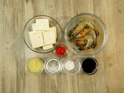 食譜-鯛魚豆腐羹+蒜蓉蒸蝦(一鍋兩菜)
