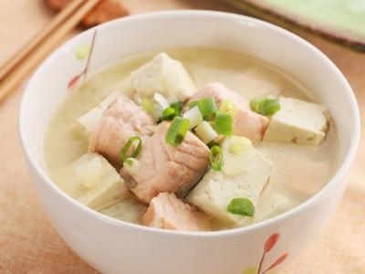 食譜-味噌豆腐鮭魚湯