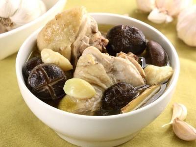 食譜-蒜頭香菇雞湯