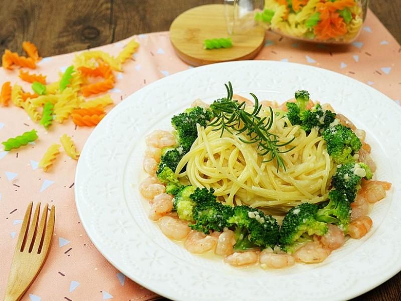 食譜-鮮蝦白醬義大利麵