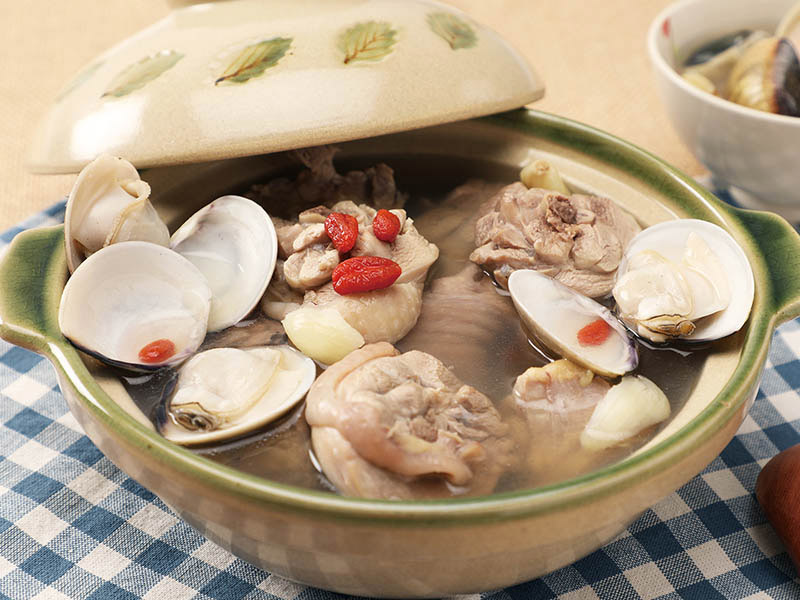 食譜-蒜頭蛤蜊雞湯